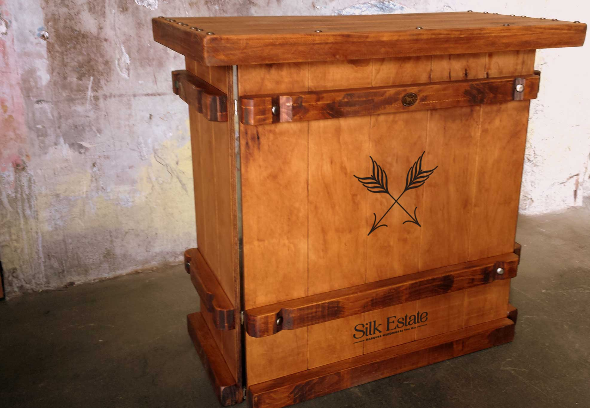 silk-estate-marquee-weddings-and-events-styling-and-hire-furniture-bar-woolpress-1