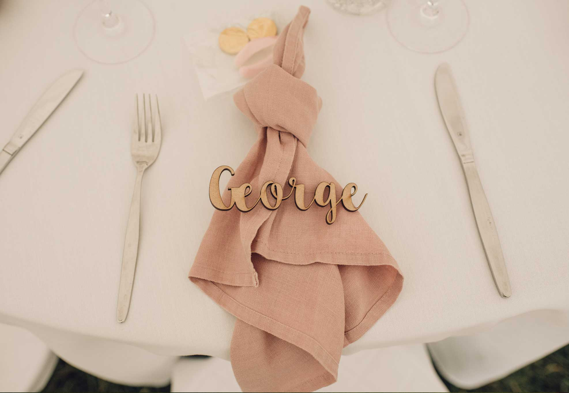 silk-estate-marquee-weddings-and-events-styling-and-hire-table-decoration-napkin-3