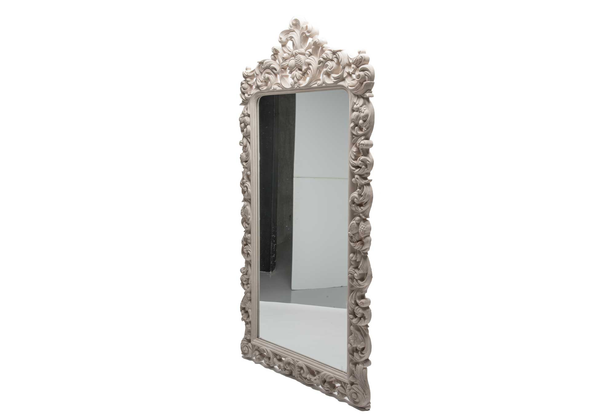 silk-estate-marquee-weddings-and-events-styling-and-hire-decore-carved-frame-mirror