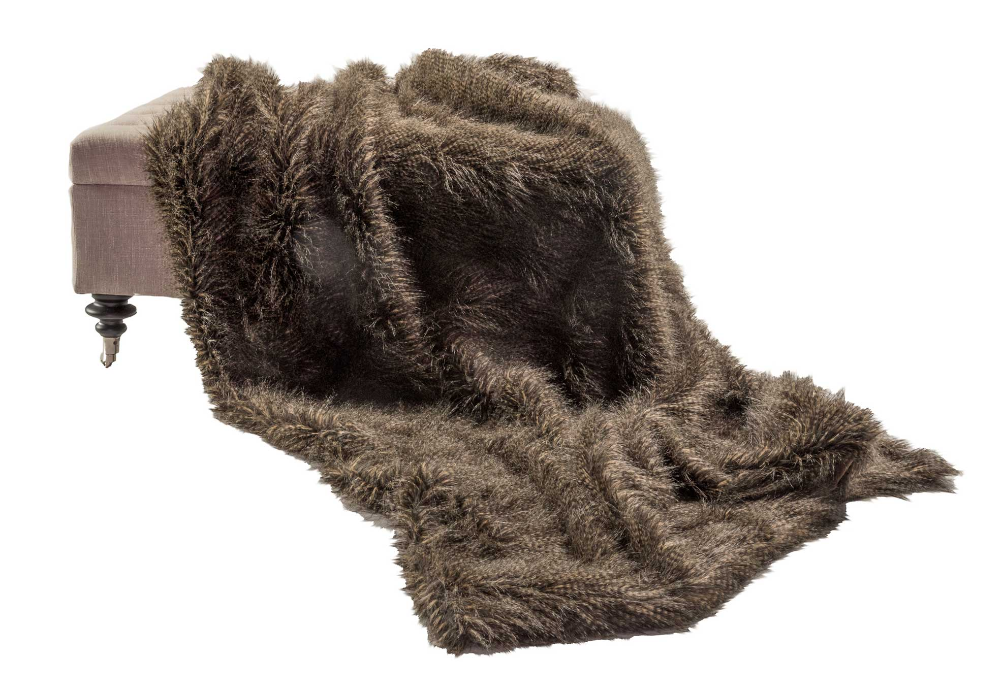 silk-estate-marquee-weddings-and-events-styling-and-hire-decore-faux-fur-throw